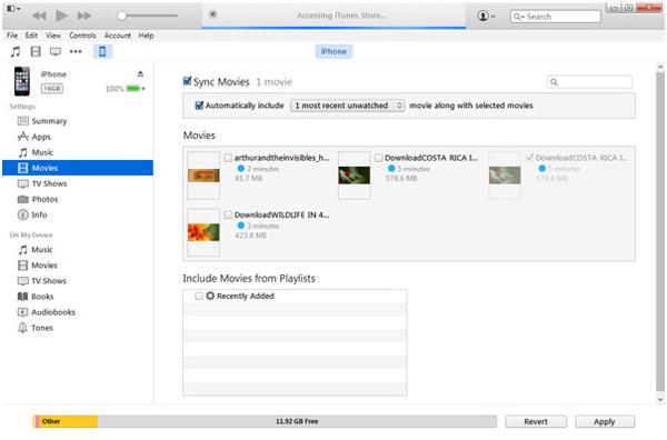 Man sieht iTunes und seine Funktion, Videos und Filme zu synchronisieren.